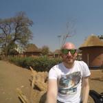 Ich vor dem Kabwata Cultural Village