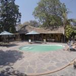 Pool und Bar vom Lusaka Backpackers