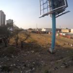 Blick auf die Eisbahnstrecke nahe dem Bahnhof von Lusaka