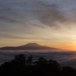 Sonnenaufgang mit dem Blick auf den Kili