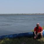 Ich vor dem Kanu