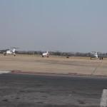 Die anderen Flugzeuge auf dem Flughafen