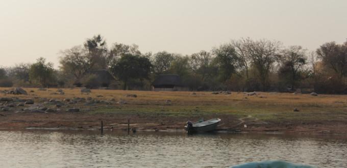 Insel mit Übernachtung am Karina Lake