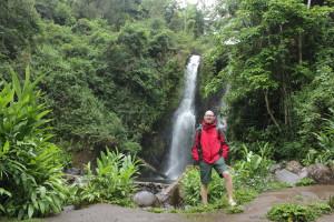 Wasserfall in der Nähe vom Kili
