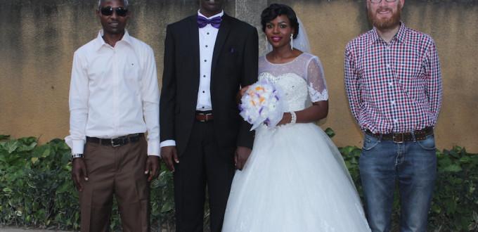 Das Brautpaar, mit Paul und mir
