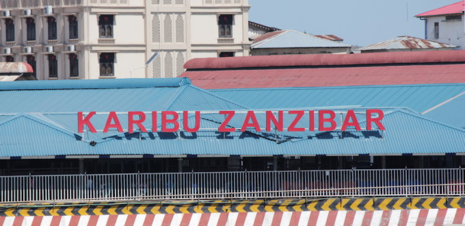 Willkommen in Sansibar - Ankunft am Hafen