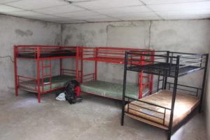 Spartanische Unterkunft - Hochbetten und meine Ausrüstung